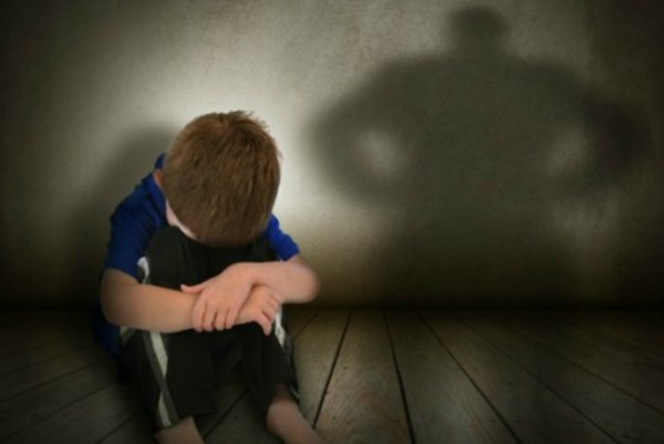 Mengendalikan Kemarahan pada Anak